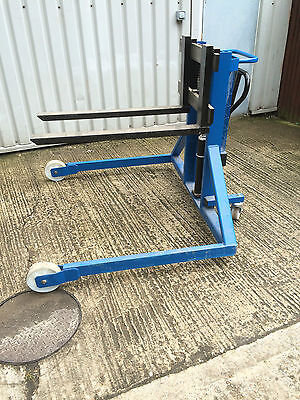 Pallet Truck 1,000kg capacity Wide Straddle Legs GREAT CONDITION
