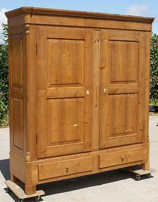 A FANTASTIC  19th CENTURY ANTIQUE GERMAN SOLID PINE  CUPBOARD /  WARDROBE