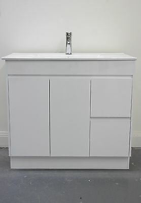 Vanity combo 900mm with leg & without leg