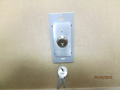 New Other, Ilc Light Sync G2 Keyed Switch, Ethernet (At-5) Stainless Steel.