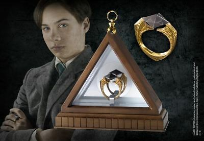 Harry Potter : THE HORCRUX RING and Display Case The Noble Collection NOB8177