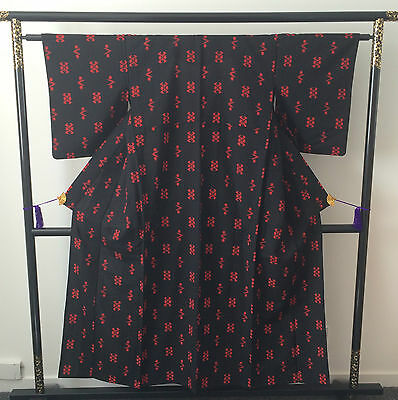 Vintage authentic handmade Japanese kimono, black and red, Japan (E120)