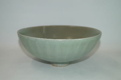 Rare Song dynasty longquan celadon large lotus bowl