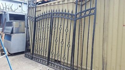 WROUGHT IRON GATE  134 wide