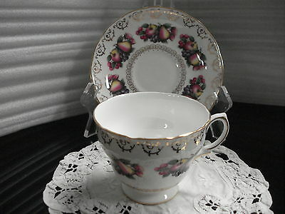 TEA CUP & SAUCER Colclough Pattern 8248 Made In England C1
