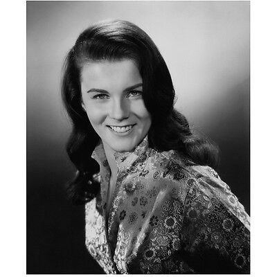 Ann-Margret Posing Headshot with Big Beautiful Smile 8 x 10 inch photo