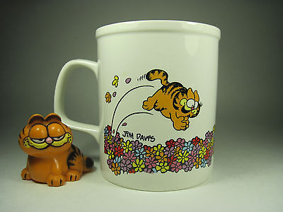 Garfield Vintage Ceramic Mug and Figurine