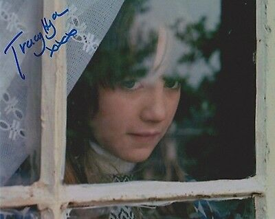 Tracy Hyde Signed Photo - MELODY - Starring Mark Lester & Jack Wild - RARE G967