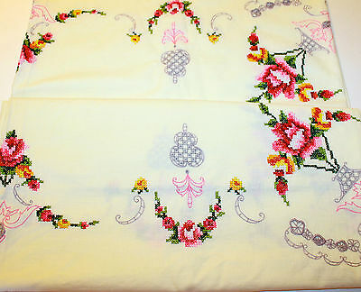 VINTAGE Ivory Embroidered Table Cloth