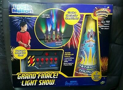 Holiday Grand Finale Light Show Fireworks