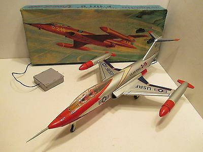 """Us Air Force F-101 B Voodoo Jet Fighter Near Mint Cond In Box Battery Op 2O""""long"""