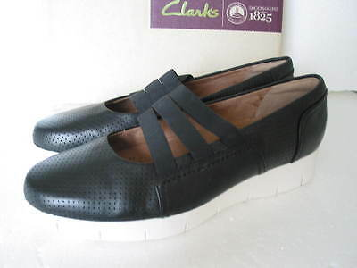 New Clarks Daelyn City Black Leather Comfy Light Weight Pumps Various Sizes
