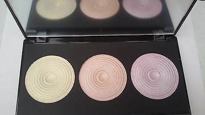 Makeup Revolution Highlighter Palette 3 Baked Highlighters/Radiance/ Beyond Radi