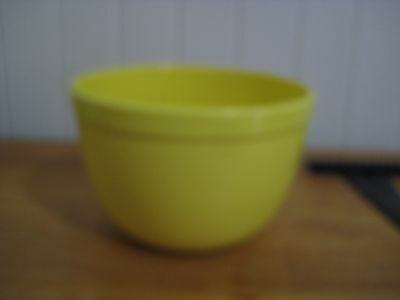 Collectable Vintage Bakerlite Yellow Mixing Bowl