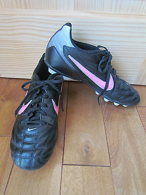 Nike Youth Girls Black, Silver And Pink Team Soccer Cleats Youth Size 6 Euc!