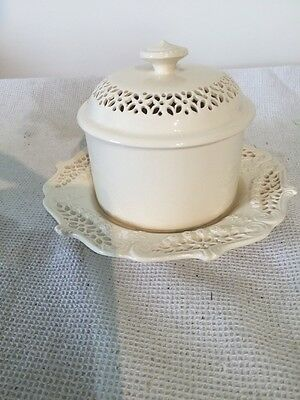 Leedsware Classical Creamware Butter Tub With Lid And Underplate