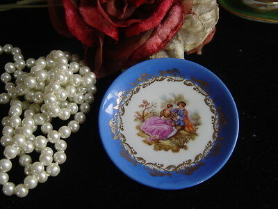 VINTAGE LIMOGES SMALL PLATE WITH STAND - COURTING COUPLE - made in France