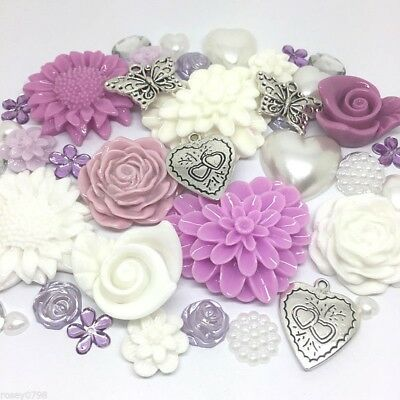 50 x Outstanding  LILAC and WHITE Embellishments Resin Charms Cabochon Flatbacks