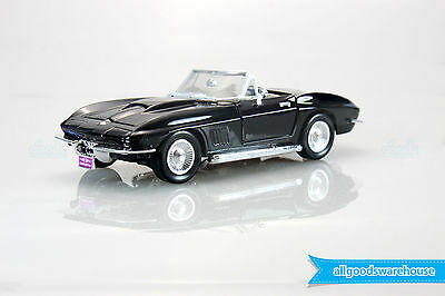 1967 Chevrolet Corvette Sting Ray Convertible 1:24 scale die-cast model car