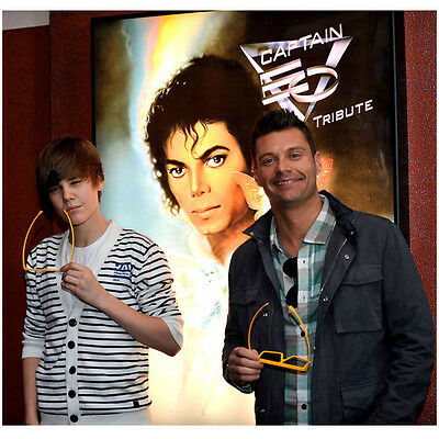 Justin Bieber Ready to See EO with Seacrest 8 x 10 Inch Photo