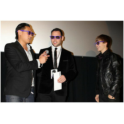 Justin Bieber on Red Carpet Wearing Purple Shades with Others 8 x 10 Inch Photo