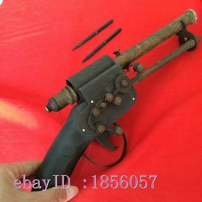 antique Qing dynasty in ancient China with chainattacker arrow binocular pistol