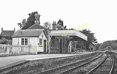 Clutton Railway Station Photo. Pensford - Hallatrow. Bristol to Radstock. (10)