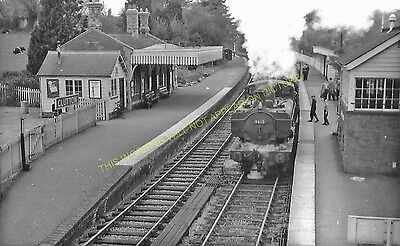 Clutton Railway Station Photo. Pensford - Hallatrow. Bristol to Radstock. (8)