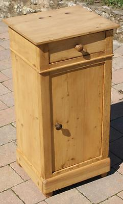 A FINE EARLY 20th CENTURY FRENCH PINE  BEDSIDE CABINET