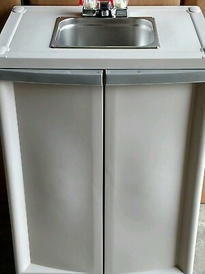 Portable Economy Self Contained Sink With Hot Water