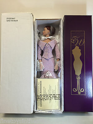 Tonner Sydney Visits Maryhill Under the Lilac Tree Portrait collar suit box NRFB