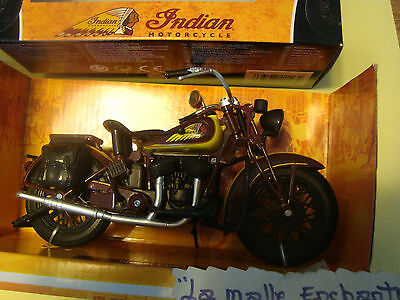 Moto Miniature Indian Sport Scout  Motorcycle   1/12° Neuve New Ray