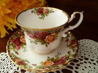 Elegant Tea Cup & Saucer Old Country Roses By Royal Albert Made In England