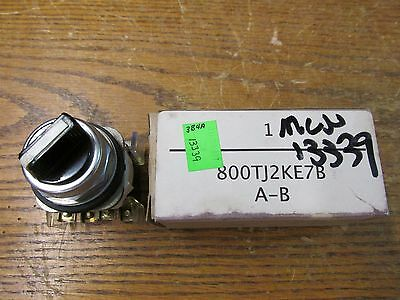 NEW NOS Allen Bradley 800T-J2KE7B Selector Switch 3 Position