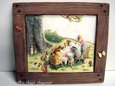 A0422 NIB Retired Winnie The Pooh Picnic Party Wall Plaque Picture RARE/SCARCE