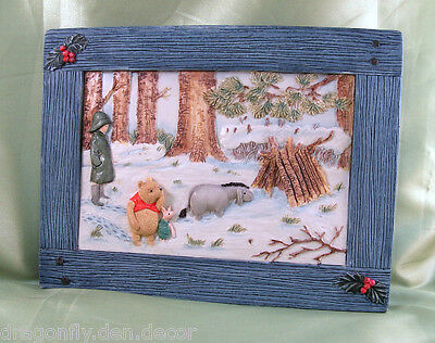 A0932 NIB/RETIRED Blue Wall Plaque CLASSIC POOH A Home For Eeyore 100 Acre Wood