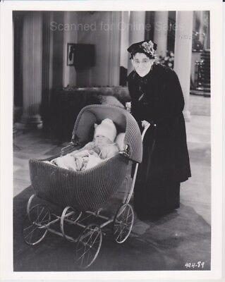 Buster Keaton pushes Baby Carriage 494-89 8x10 Photo
