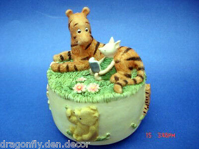 A0669 NIB (Retired) Classic Pooh - Tigger and Piglet Musical Figurine