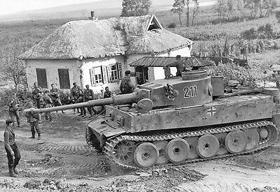 WWII B&W Photo German Troops and Tiger Tank in Kursk  / 4085  NEW
