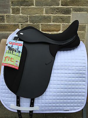 "Thorowgood T4 Interchangeable Gullet Dressage Saddle 17.5"" Black Choose Width"