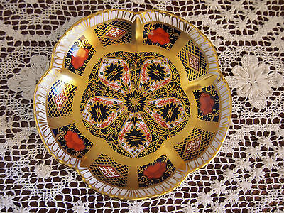 1976 Royal Crown Derby 'Old Imari' small petal dish 11.5 cms wide