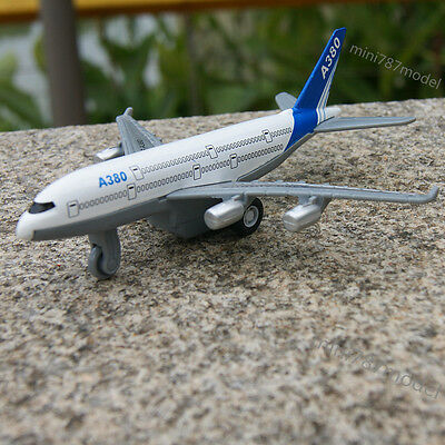 Plane Toys Model AIRBUS A380 Aircraft Diecast Alloy Strong Pull back 1:450 Gifts