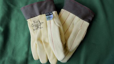 Gloves made with Kevlar