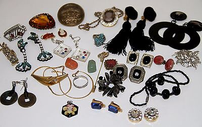 LOT OF VINTAGE COSTUME JEWELRY. DIVERSE MATERIALS. SPAIN. 80s
