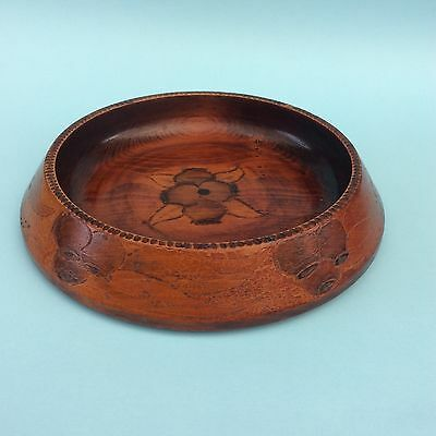 VINTAGE POKER WORK TURNED WOOD BOWL Australia Gum nuts Original Lacquer