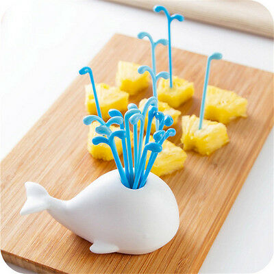 Fruit Vegetable Tools White Whale Design Jar Spray Fruit Pick Kitchen Gadget 1Pc