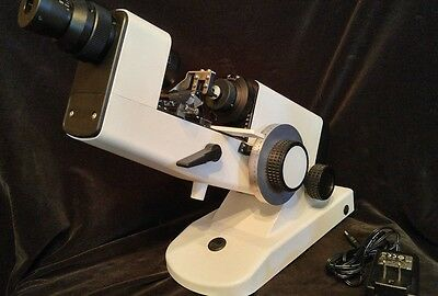 OPTOMETRY CCQ-500 HAND LENSMETER w/ PRISM COMPENSATION DEVICE & POWER ADAPTER