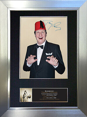 TOMMY COOPER Mounted Signed Photo Reproduction Autograph Print A4 372