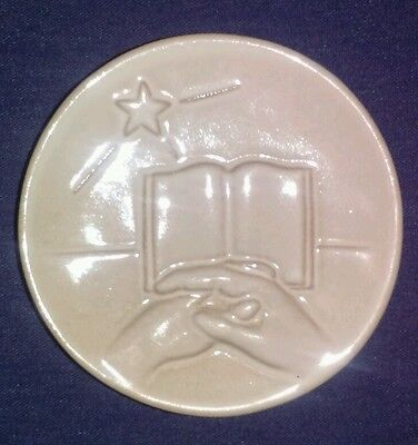 Frankoma Pottery Christmas Card 1977 Book with Resting Hands White Sand