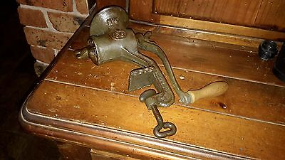 vintage meat grinder /mincer No 0  marking 66
